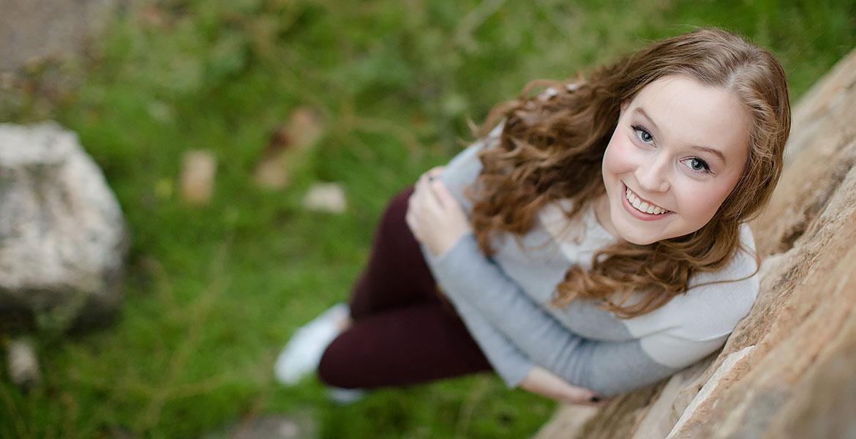 blonde curly hair blue eyes female senior portraits photo photography ideas outdoors