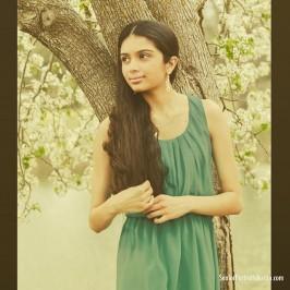 Instagram Post: Can't deny that Avni makes for a gorgeous senior portrait success :)